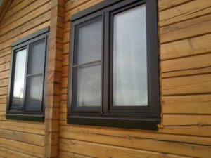 коричневые москитные сетки на окна