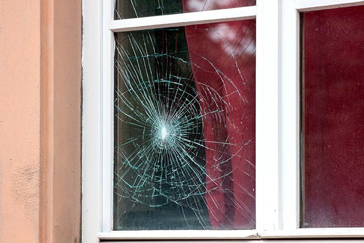 Пять способов сломать окно!